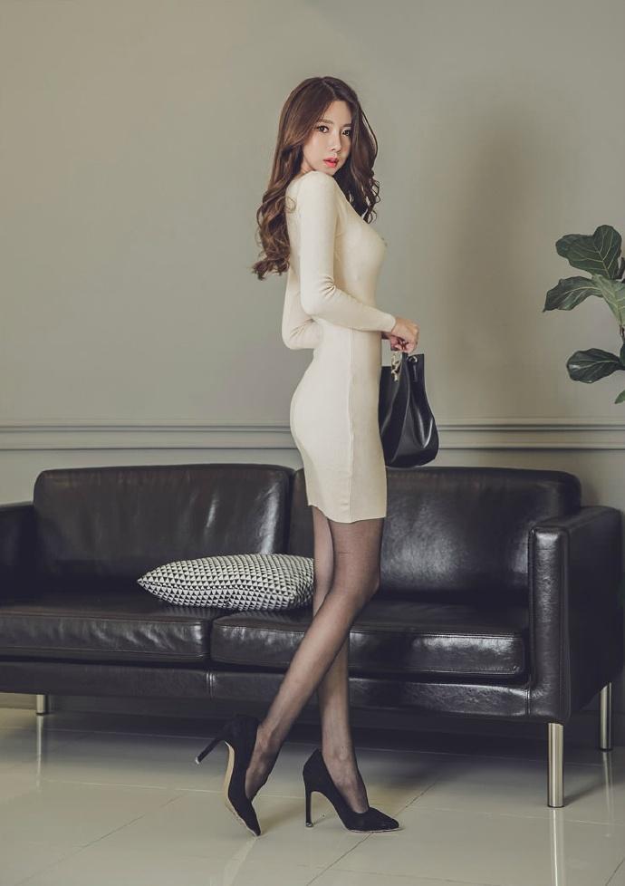 高清美女色_办公室极品女秘书裸色连衣裙性感美女写真图