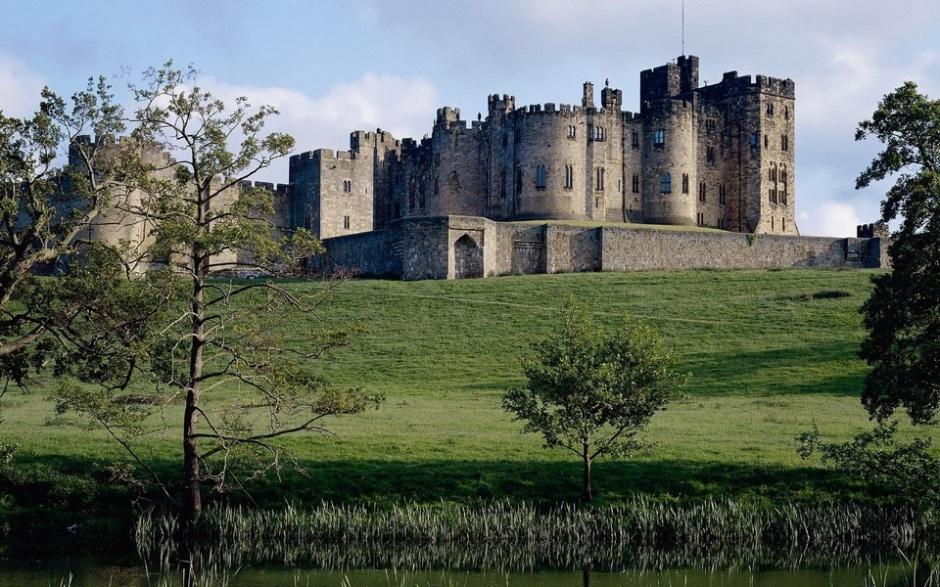 古典英国城市特色建筑风景图