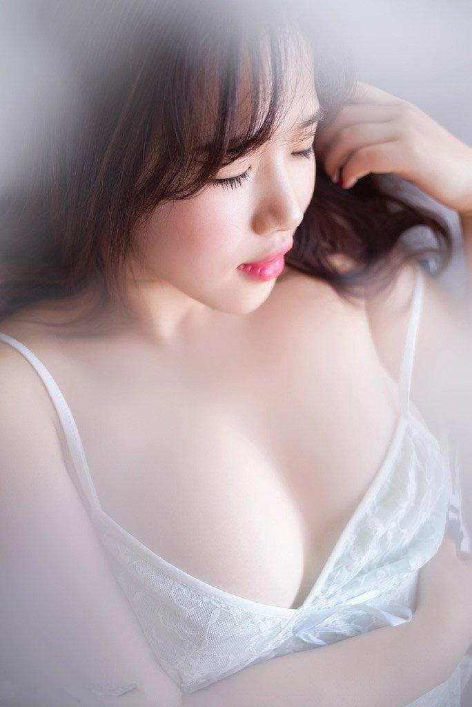 36d大胸美女极品私房人体艺术写真图片