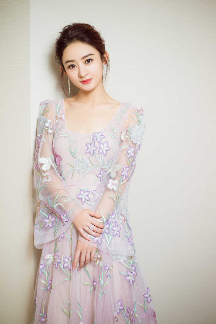 赵丽颖薄纱透视长裙性感迷人