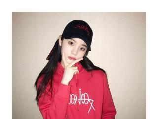 欧阳娜娜剪空气刘海 气质清新新发型美翻图片