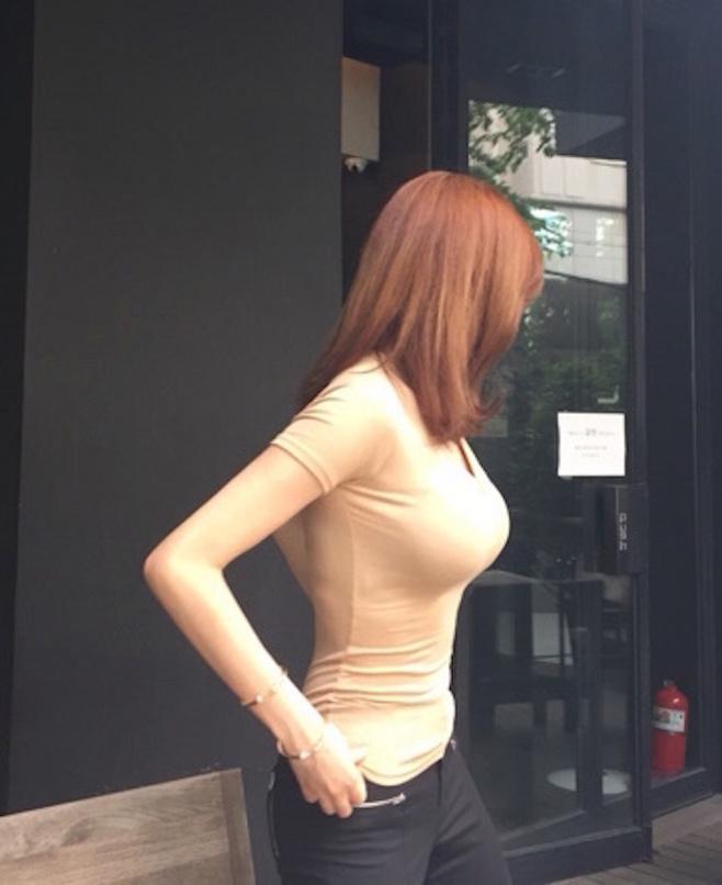 巨乳妻无胸禁己_巨乳诱惑大胸美女性感撩人喷血私房写真图片
