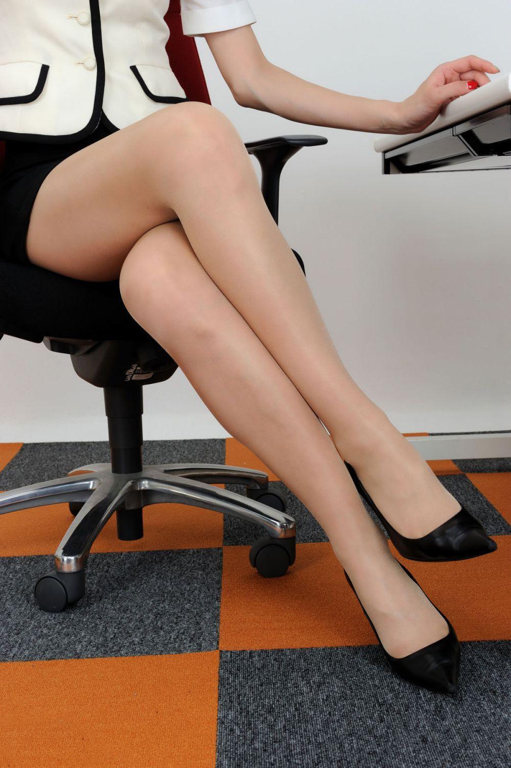小香风秘书情趣大胆美女v秘书性感美女情趣广州内衣秀图片成展图片
