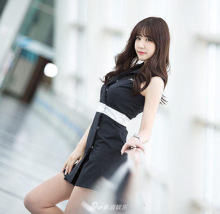 组图:韩国美女车模洪智妍清纯性感可爱俏皮