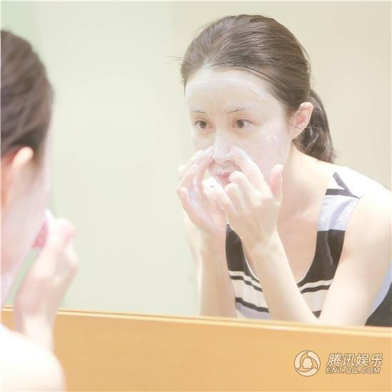 景甜带红洗脸风潮 舒畅也示范素颜卸妆了