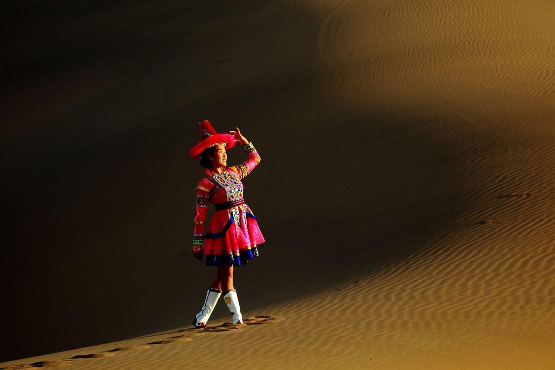 裕固族美女图片 少数民族图片图片