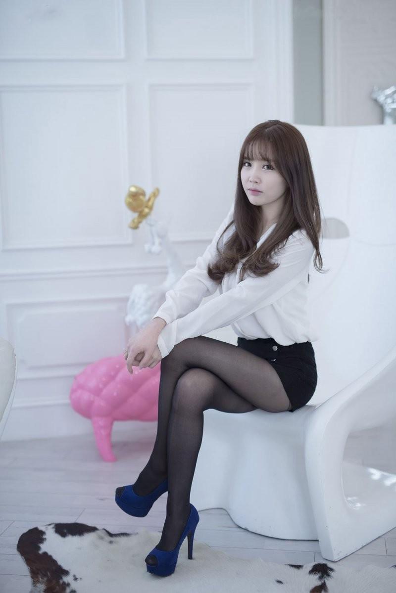 韩国美女车模李海琳黑丝秘书装诱惑写真