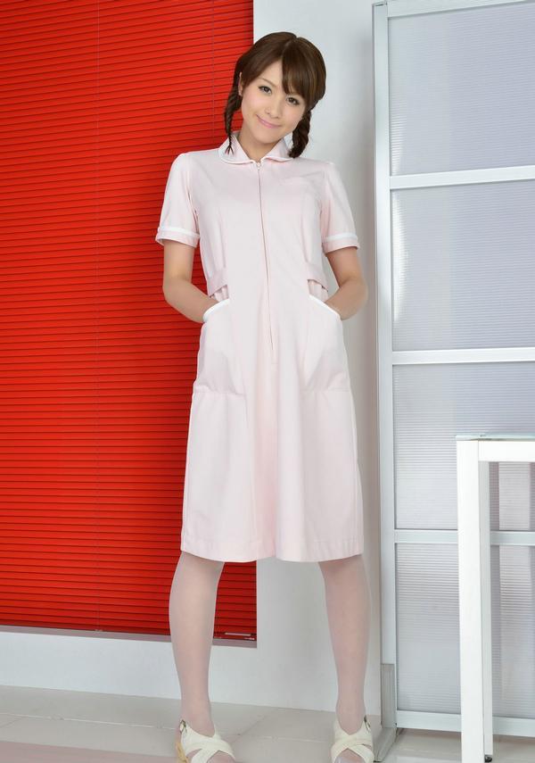 日本性感女性感写真白丝俏皮制服气质模美旗袍护士腿图片