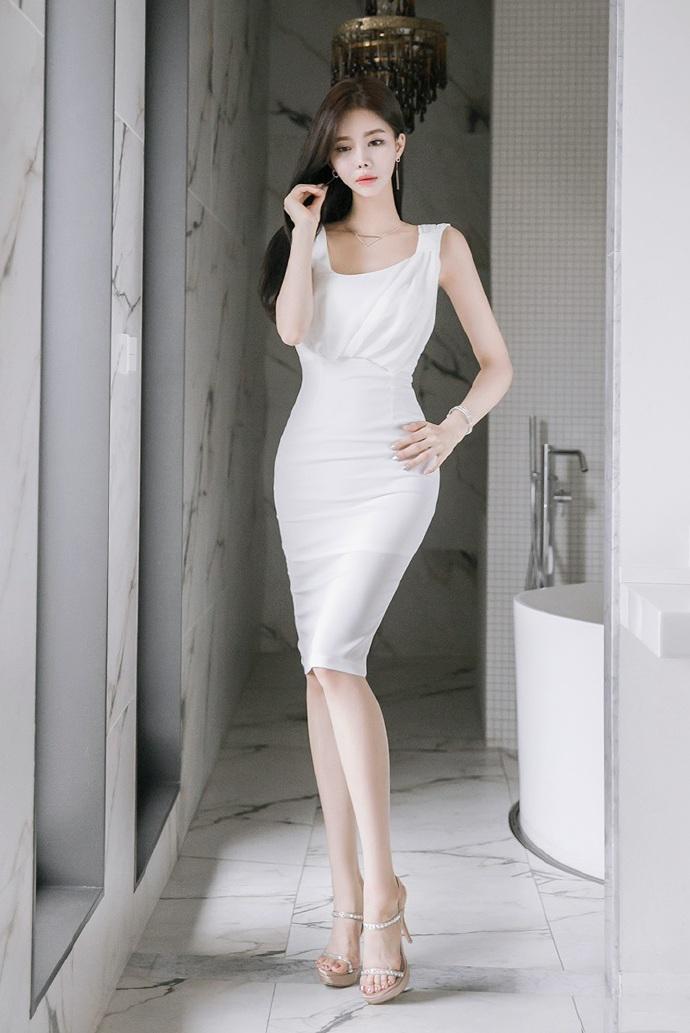 气质美女白领ol高挑骨感性感私房写真_图片新闻_东方