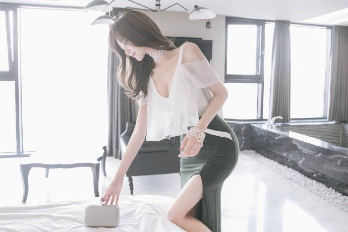 性感肉丝美腿少妇巨乳大胆人体透视诱惑写真