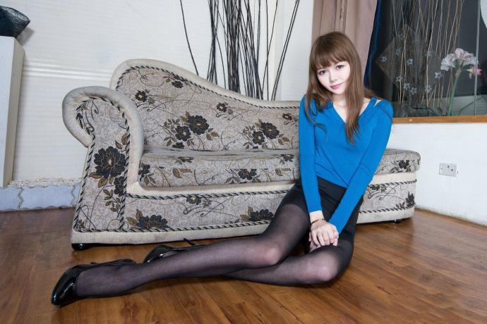 滑丝袜台湾佬_beautyleg台湾美女腿模高清丝袜美腿写真图