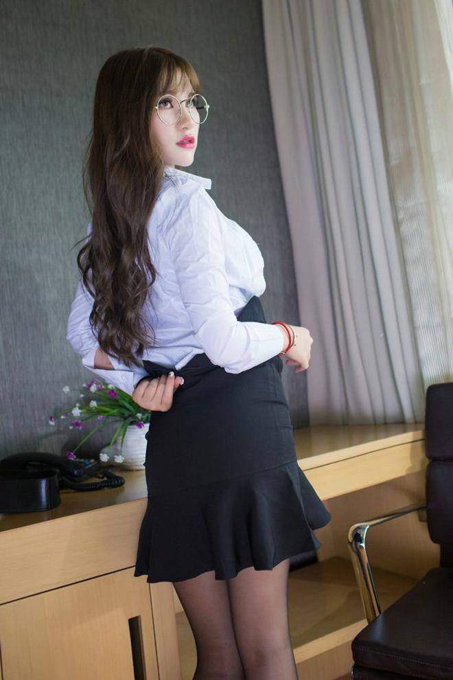 欧美黑丝制服_导师大玩黑丝制服,惊到我了!