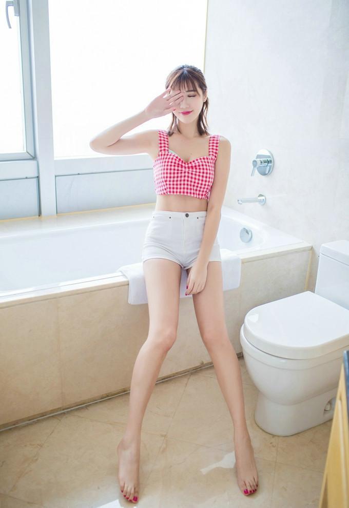 少妇在浴室裸体_风情少妇巨乳大奶前凸后翘性感诱惑浴室写真