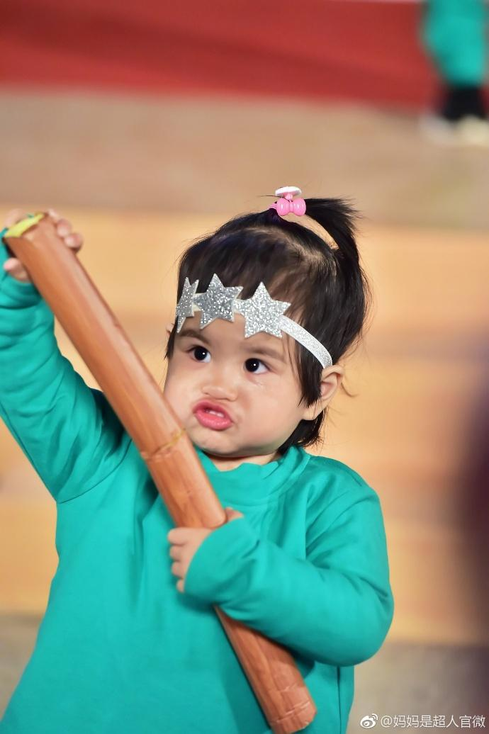 饺子:包贝尔女儿表情表情堪称一绝组图包的搞笑女图片