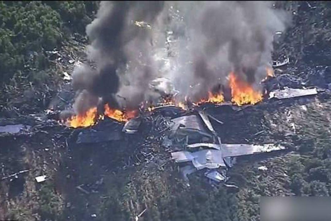 美国飞机坠毁照片+