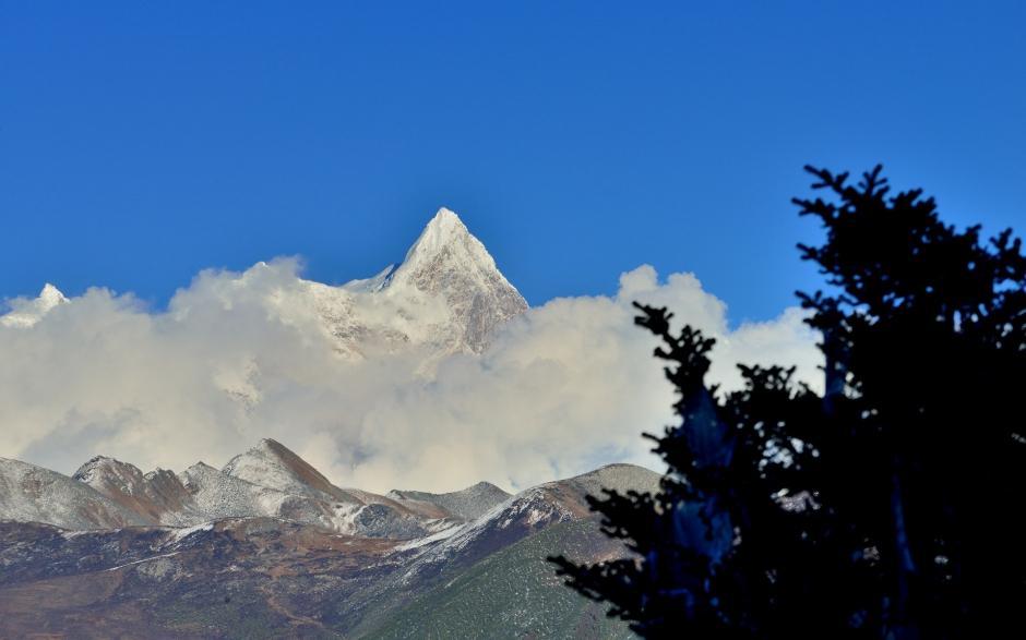 南迦巴瓦峰雪山风景唯美壮观风景图片桌面壁纸