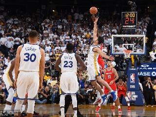 NBA常规赛揭幕战:火箭-勇士