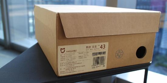 依旧199元轻薄透气 米家运动鞋2代开箱