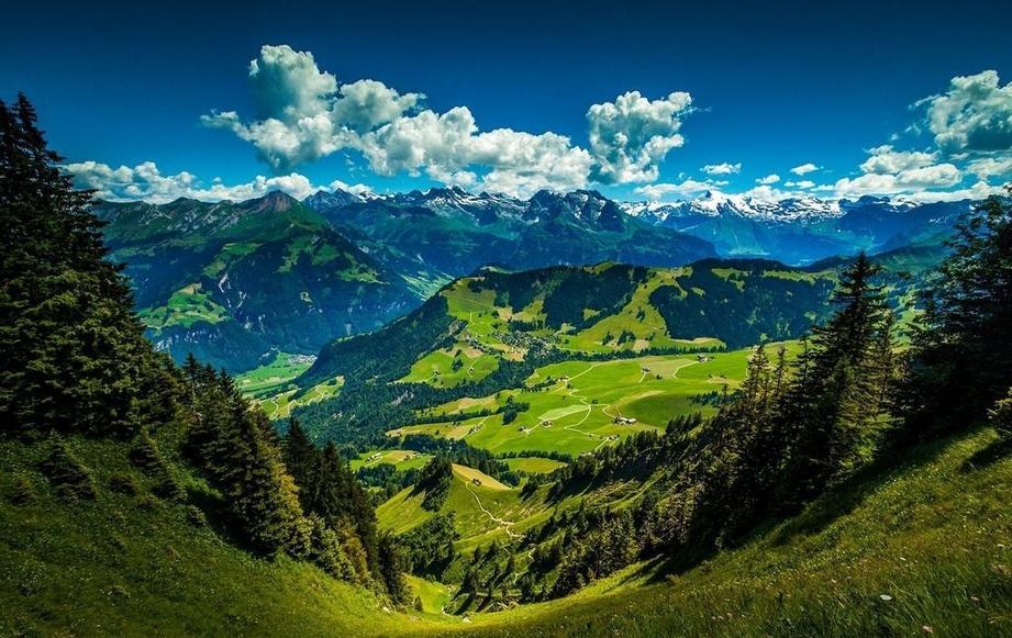 摄影大自然中美丽的山谷风景图片