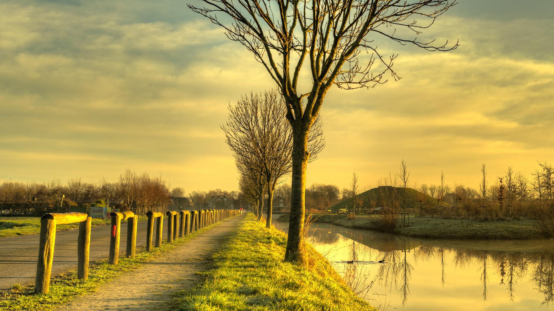荷兰秋天风景图片桌面壁纸