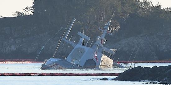 挪威请来中国造浮吊船打捞沉没宙斯盾舰