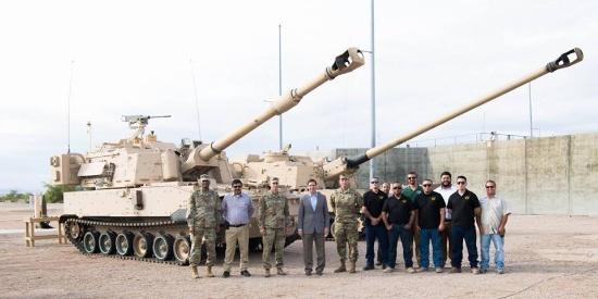 美军测试最新自行榴弹炮炮弹 射程超100公里