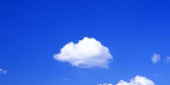 蓝天白云唯美清新图片桌面壁纸