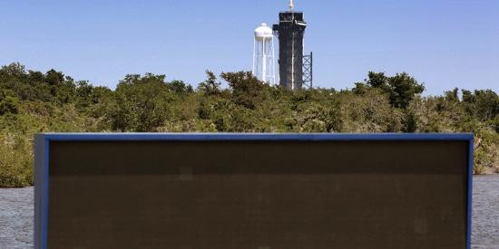 SpaceX猎鹰重型火箭首次商业发射由于天气原因推迟