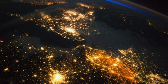 高精度卫星照片捕捉地表奇观 展现地球之美