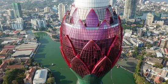斯里兰卡:科伦坡莲花电视塔竣工在即 映月莲花别样明