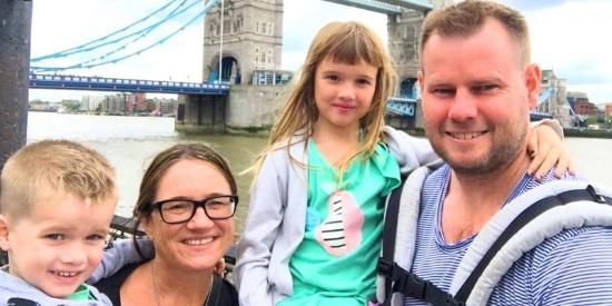 新西兰夫妻辞职带娃游历世界 全家走遍35国
