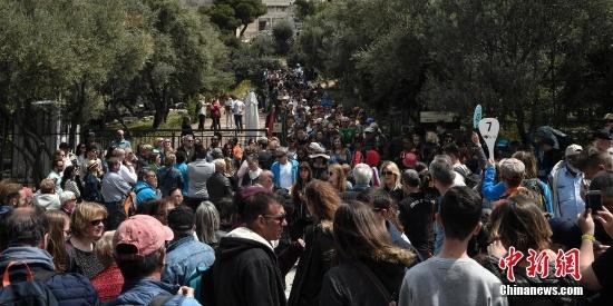 希腊雅典卫城遭雷击 致四人受伤