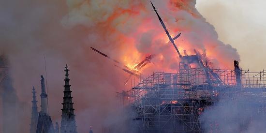图说这一周:法国巴黎圣母院发生火灾 2019年上海车展开幕