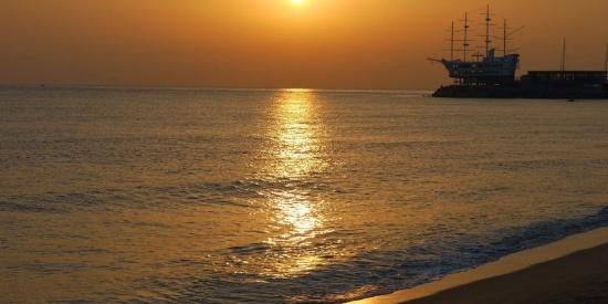 红透半边天的日出日落唯美风景摄影图片