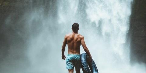 美丽壮观的瀑布图片