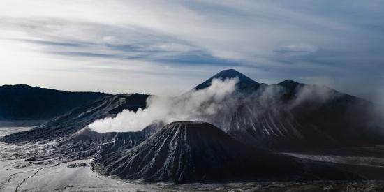 火山爆发的场面图片