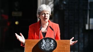 官宣 英国首相特蕾莎・梅含泪宣布将于6月7
