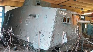 一战德国A7V重型坦克,体型硕大