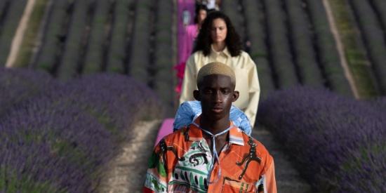 巴黎时装周,Jacquemus在薰衣草里的时尚秀!