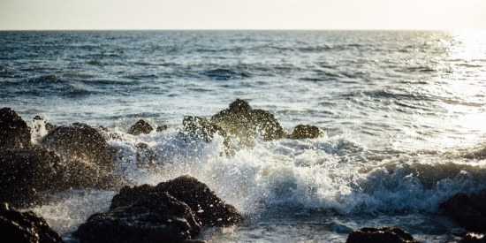 波涛汹涌的大海自然风景图片