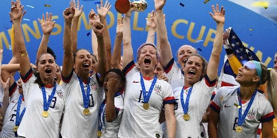 老兵破局穿金靴 美国女足2-0卫冕