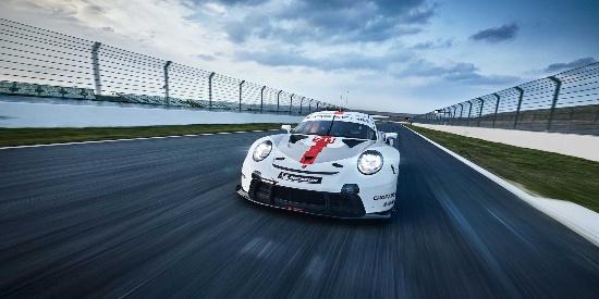 2019款保时捷911 RSR赛车 更多官图