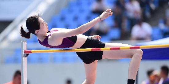全国田径锦标赛女子跳高:王雪毅夺冠