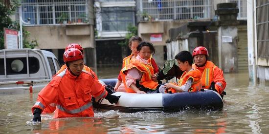 强降雨致南方多地受灾 7.7万人紧急转移安置