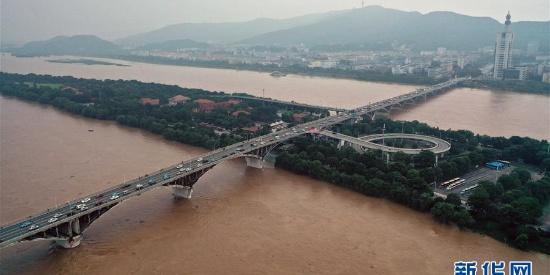 湖南发布洪水红色预警 长沙橘子洲景区紧急闭园
