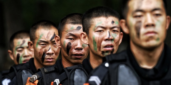 燃 北京反恐和特警总队展开新警魔鬼周野外拉练