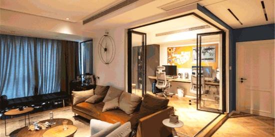 106㎡三室一厅,用玻璃折叠门打造完美书房