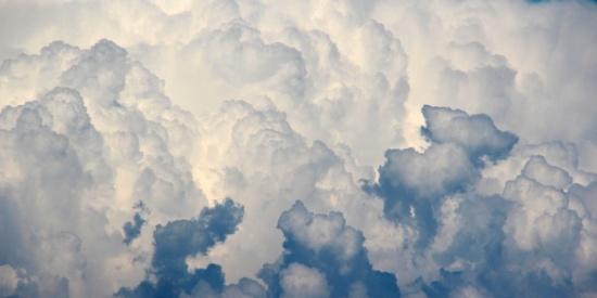 蓝天白云美丽风景图片