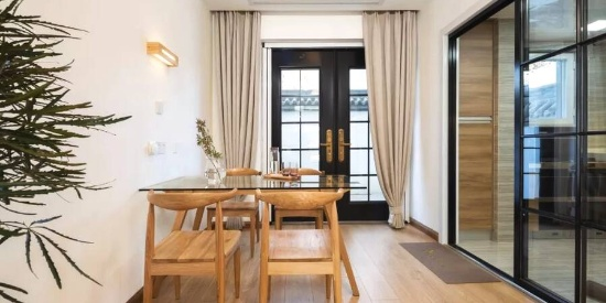 黑框玻璃门,提升居家颜值的设计。