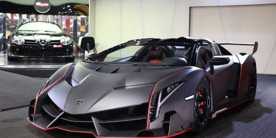迪拜,兰博基尼Veneno Roadster